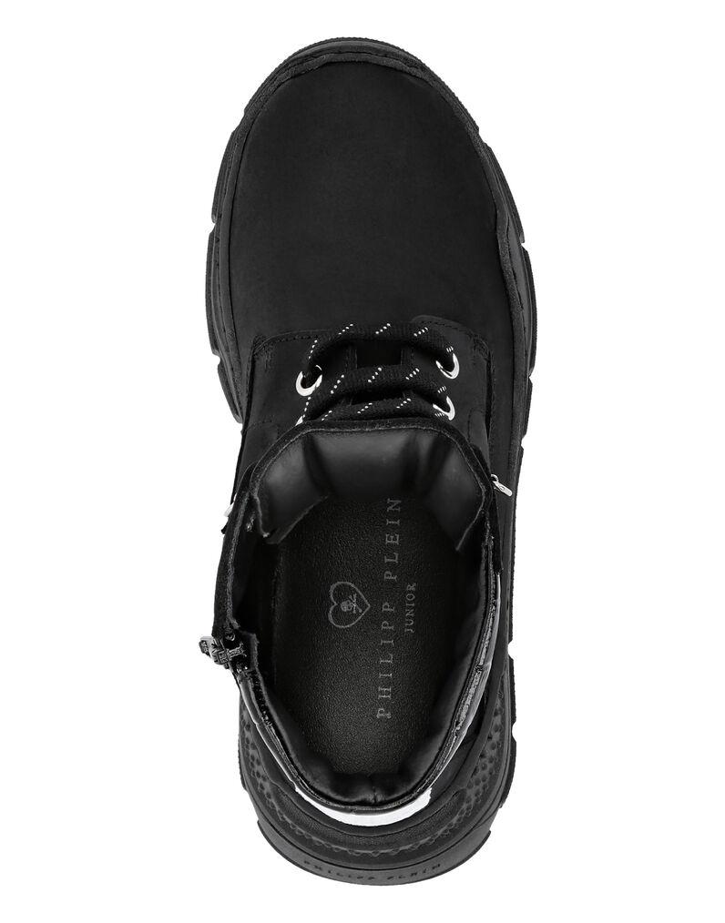 Boots Low Flat Skull