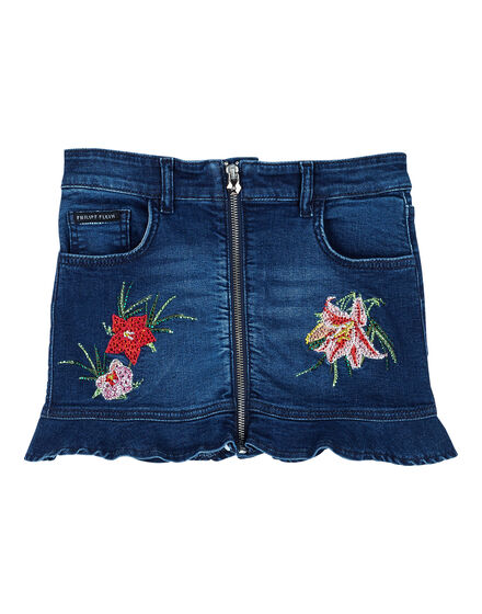 Short Skirt Annie