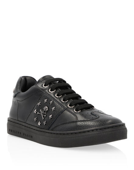 Lo-Top Sneakers Stars and skull